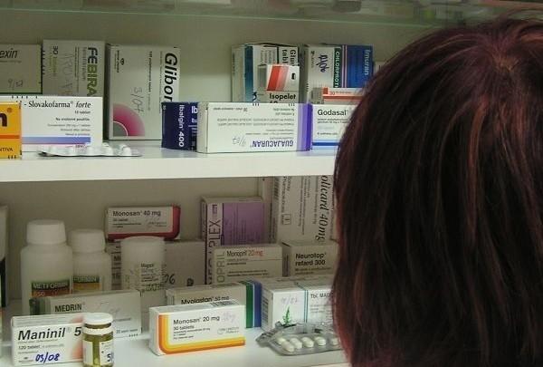 léky, medikamenty, prášky, léčiva, preskripce, recept