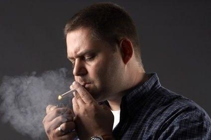 kuřák, cigareta, kouření, zlozvyk, zapálit si