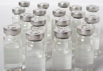 Bílé lahvičky