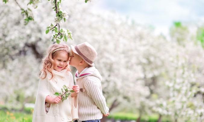 zamilované děti pod třešní