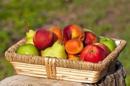 Broskve a jablka