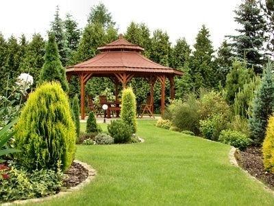krásná upravená zahrada