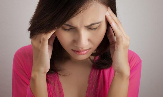 bolest hlavy za pravým okem