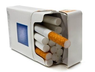 Otevřená krabička cigaret