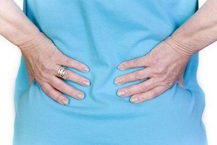 psoriatická artritida, nateklé klouby, bolest zad