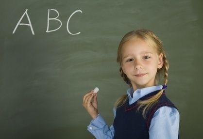 Dívka,tabule,první třída