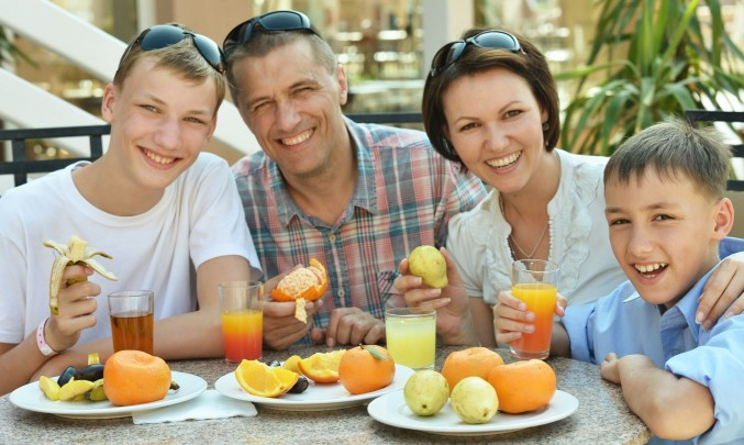 rodina zdravě jí