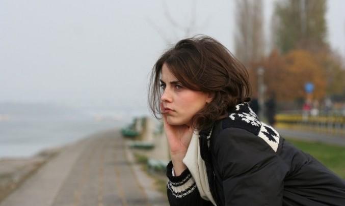 žena, zima, smutná, melancholie, dálka, sny
