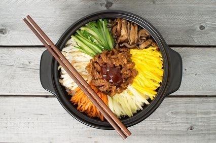 korejské jídlo bibimbap