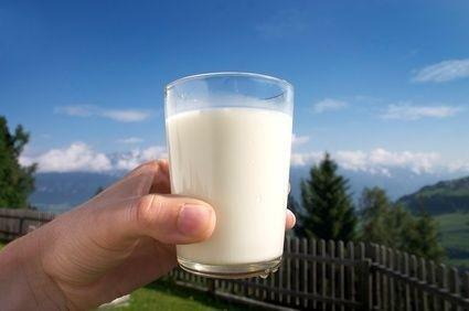Mléko ve sklenici
