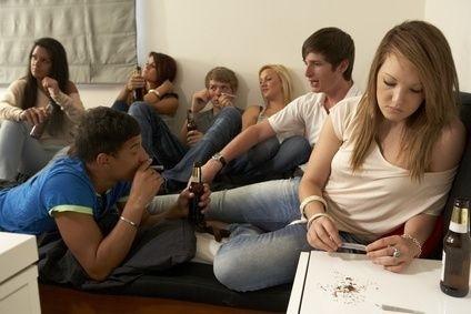 parta, teenager, drogy