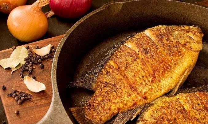 Ryby, jód, cibule, pánev, vaření výživa