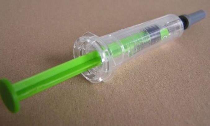 strikacka,injekce,intravenosní aplikace