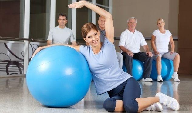 cvičení fit ball ořez