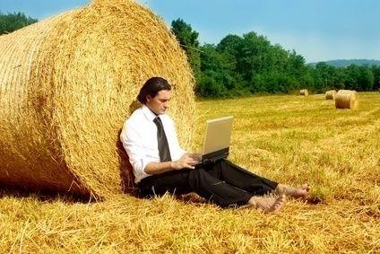 Muž s notebookem