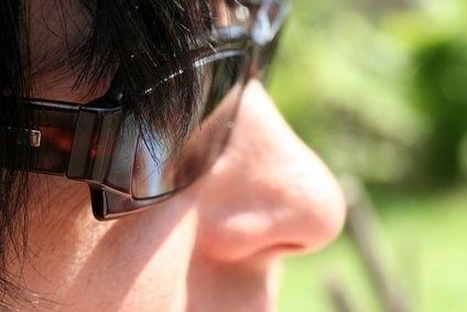 Sluneční brýle, zánět spojivek