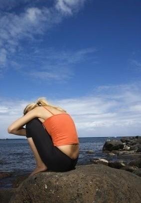 smutek, moře, útes, osamění, zánět vaječníků, nachlazení