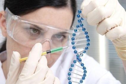 Žena,výzkum,věda,injekce,gen