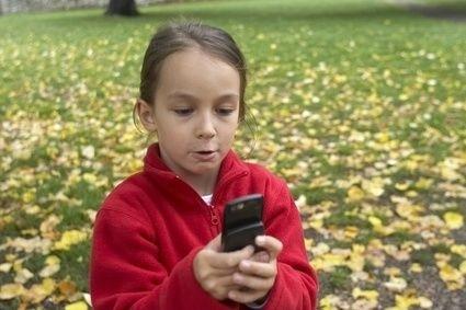 holčička, mobil, telefon, podzim, škola, děti