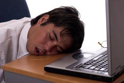 Muž,počítač,spánek,chrápání,únava