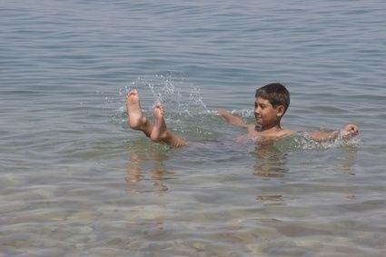 Dítě, plávání, atopický ekzém, mrtvé moře