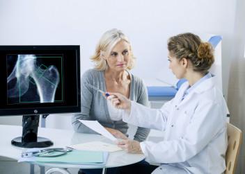 zlomenina_rentgen_pacient_lekar