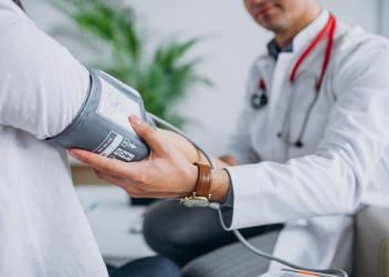 lékař, vysoký tlak, pacient