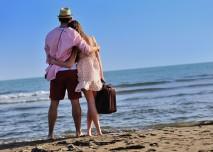 par, u more,plaz,dovolena,kufr,laska,cestovani,leto