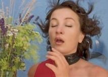 Kašel,žena,alergie,květiny,tráva