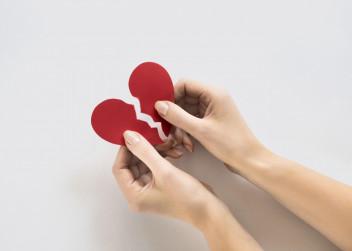 zlomene_srdce_papir_dlane