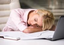 žena unavená z práce