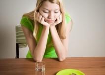 dívka nechce jíst