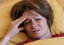 Žena,stres,postel