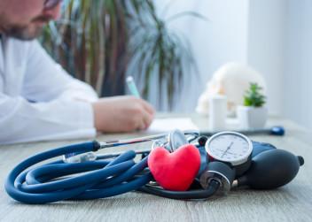 lekar_srdce_prohlidka_stetoskop