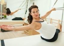 tehotna, žena, cvičí, sport
