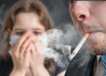 kouření_pasivní_kuřák_cigareta_kouř