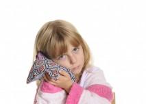 dítě bolí ucho nebo zuby