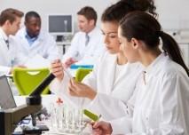 zeny, laborator, výzkum