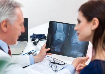 lekar_pacientka_kost_rentgen