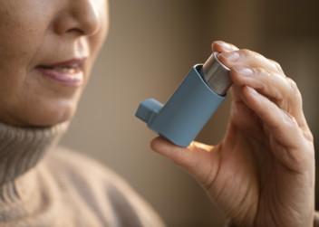 zena_senior_inhalator_astma