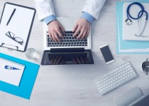 Lékař v ordinaci
