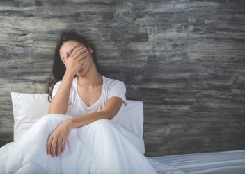 žena, postel, deprese, bolest