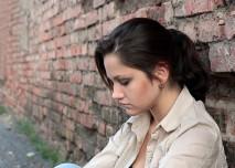 žena u zdi v depresi