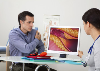 muz_cholesterol_pacient_hodnoty_vysetreni_lekarka
