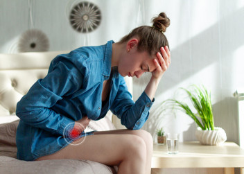 zena_menstruace_bolest