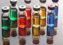 léky, injekce, barvy