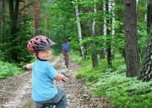 chlapec na kole