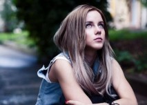 smutná dívka