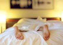 unaveny v posteli