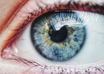 Modré oko v detailu